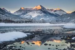Illuminated-Summits
