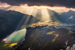 Valley-of-Rays